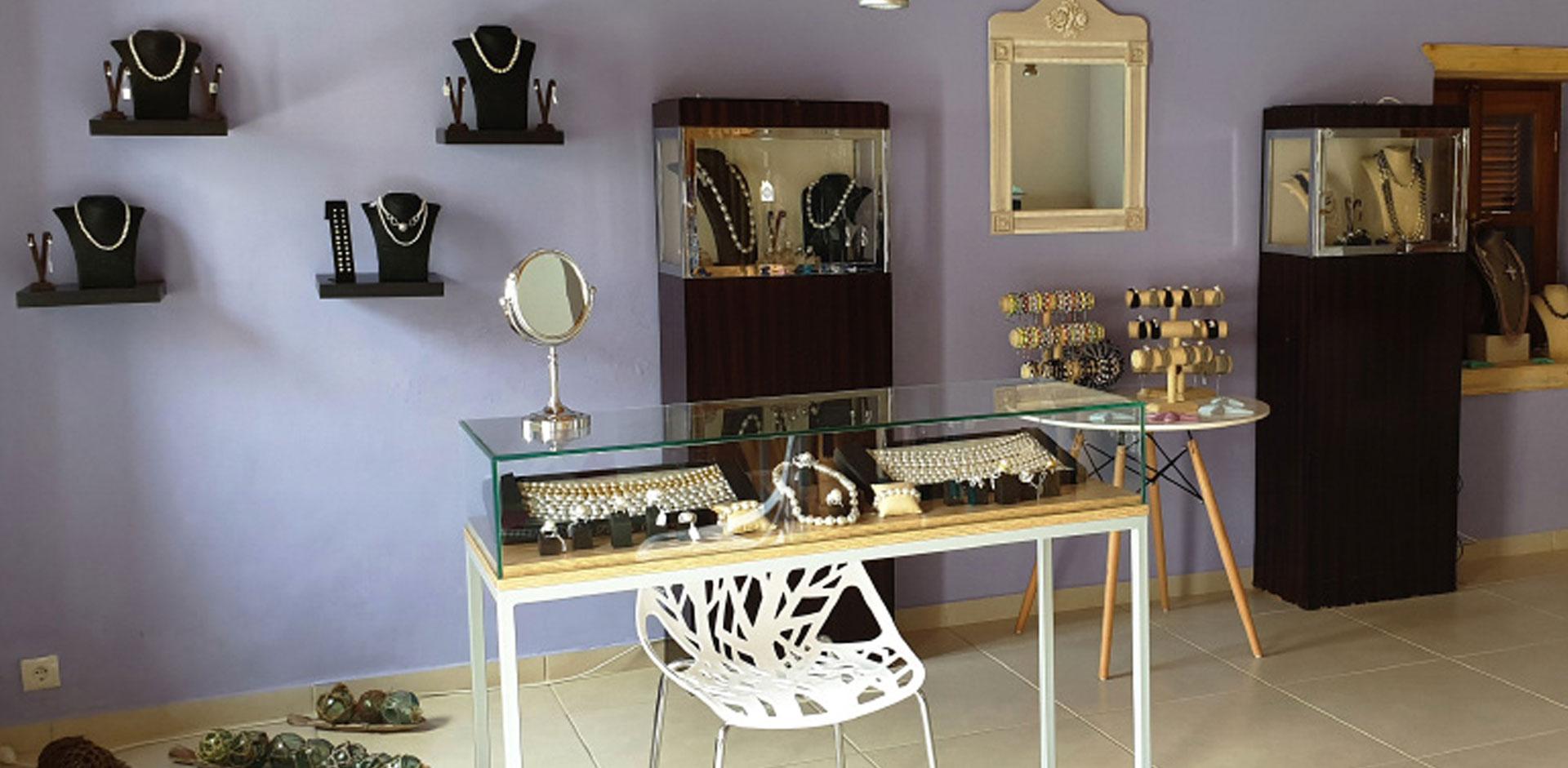 Pearls Room
